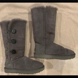 UGG'S BAILEY 3 BUTTON TALL GREY BOOTS